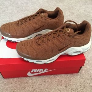 NIB Nike Mens Air Max Plus Quilted TN Size 9.5